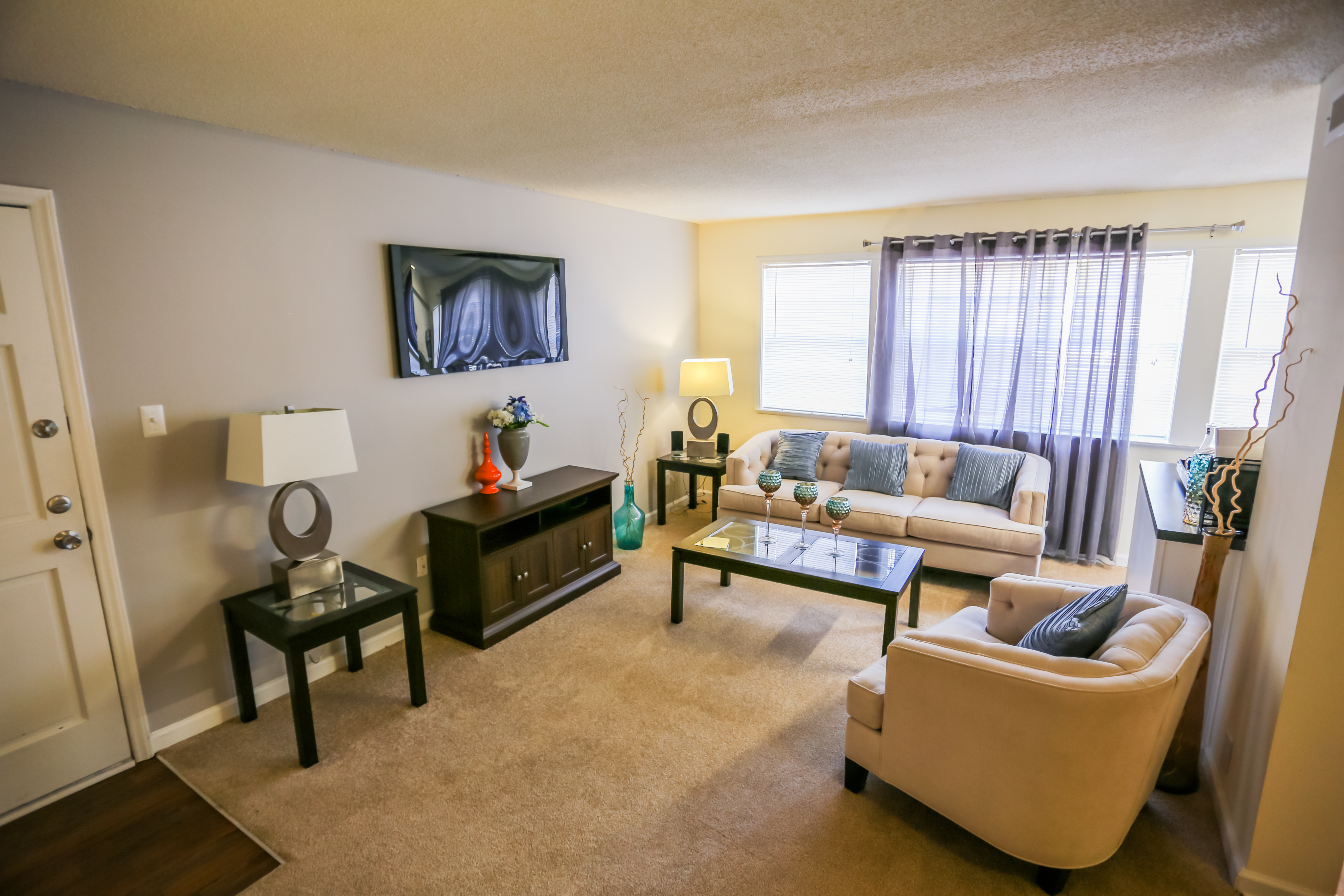 Royal Park reviews | Apartments at 501 Highway 54 Bypass - Carrboro NC