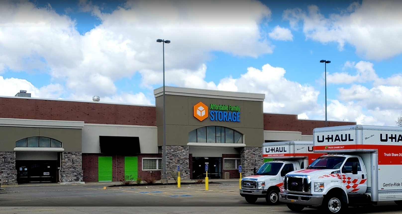 Affordable Family Storage reviews | Self Storage at 3400 E 33rd St - Des Moines IA