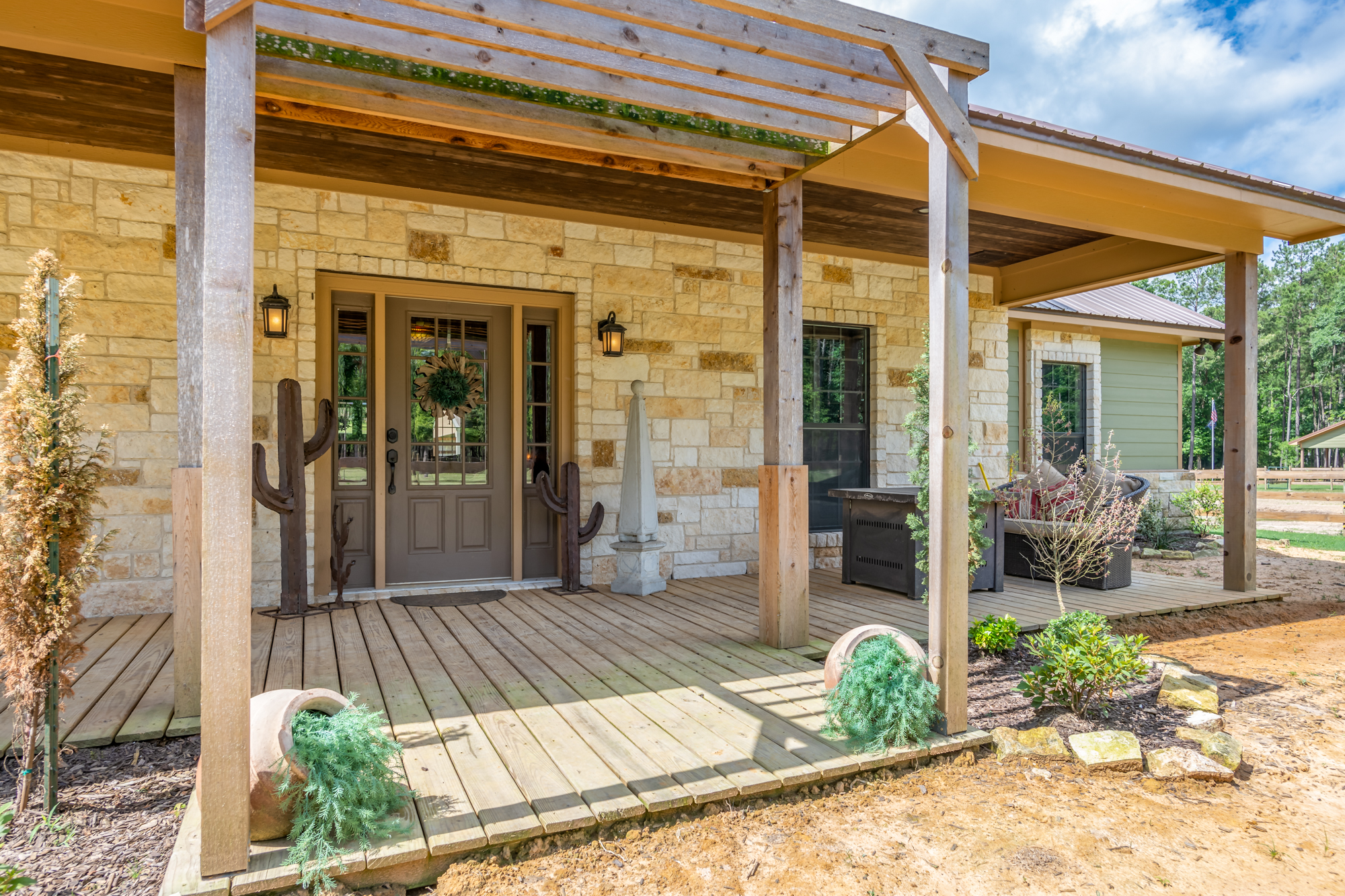 Texas Home and Ranch Group reviews | Real Estate Agents at 1130 County Road 2510 - Alto TX